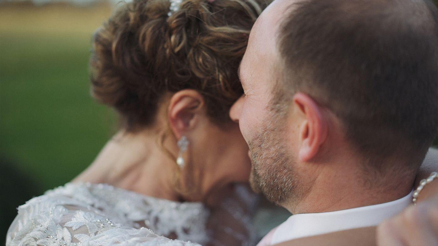 Norfolk-Wedding-Videographer-Chaucer-Barn-Rebecca-and-Steve