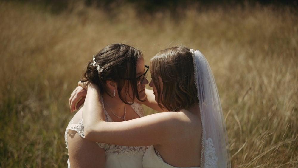 norfolk wedding videographer chaucer barn amber louisa