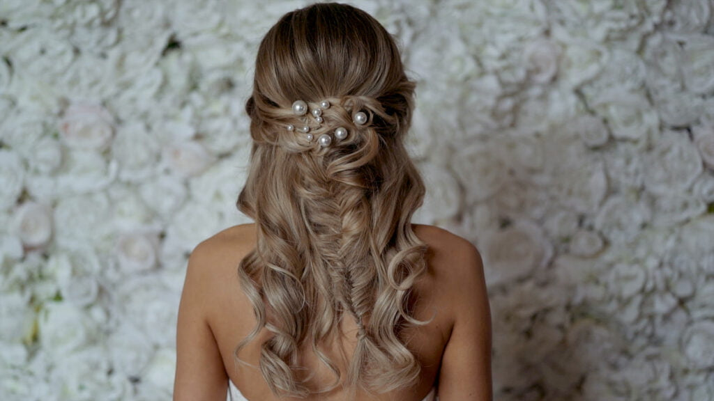 Cara-hubbard-wedding-hair-stylist