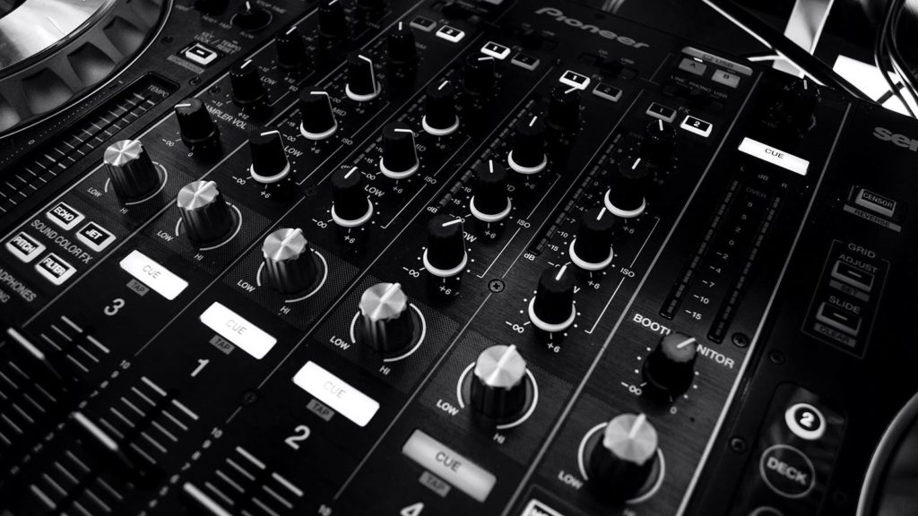 10 of the Best Wedding DJs in Norfolk